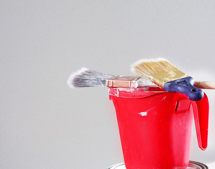 How to Paint Baseboards Like a Pro, painting baseboards, baseboard painting tips, painting baseboards tips, painting baseboards fast, painting baseboards tutorials, diy painting baseboards, diy baseboard painting tips