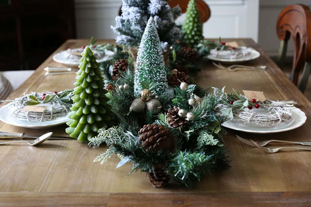 Green and Red Christmas Table | With lots of green and pops of red, this holiday tablescape will inspire you! #christmas #christmasdecor #christmasdecorating #holidaydecor #christmastabledecor